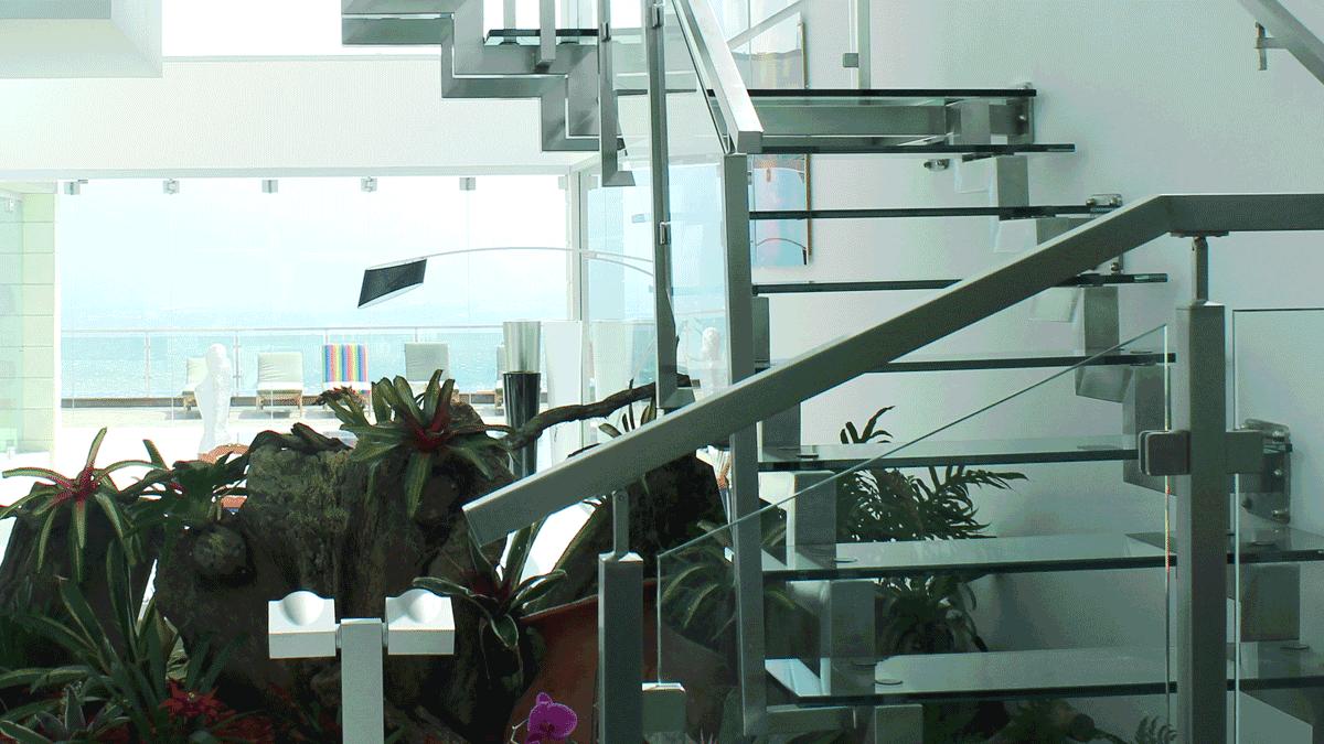 artículo sobre las razones para tener escaleras en acero inoxidable