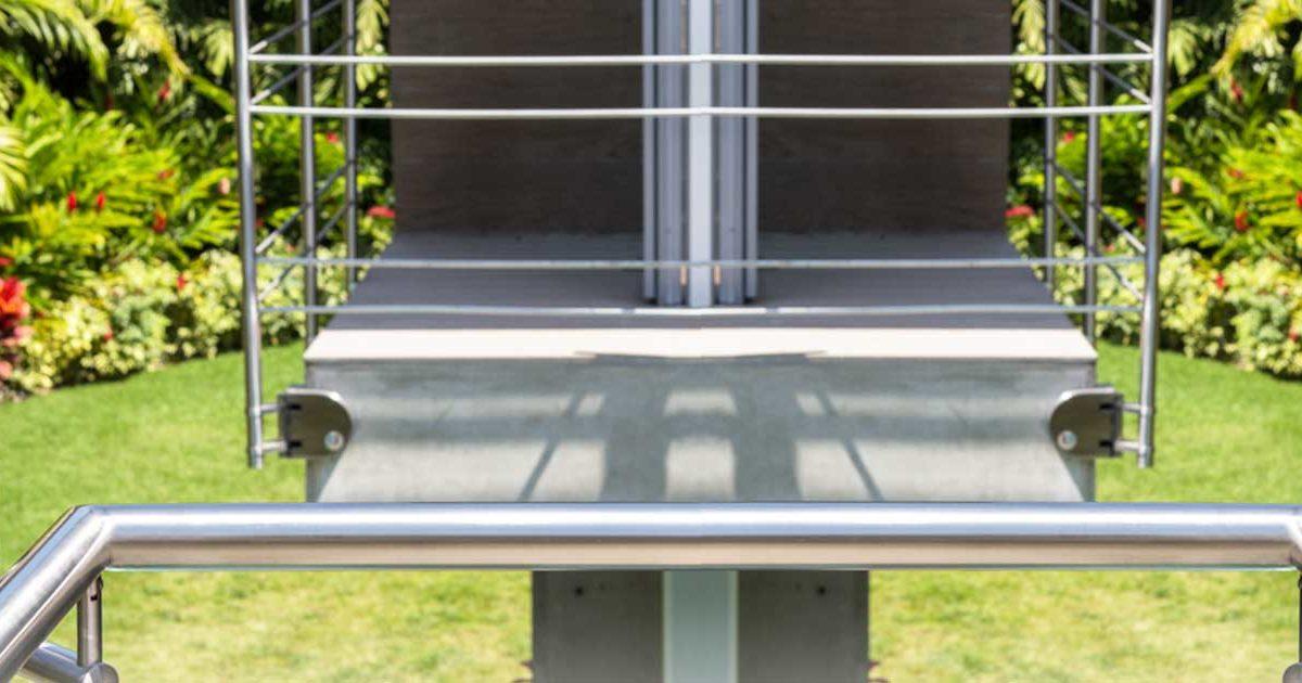 artículo con consejos para hacer más seguras las escaleras