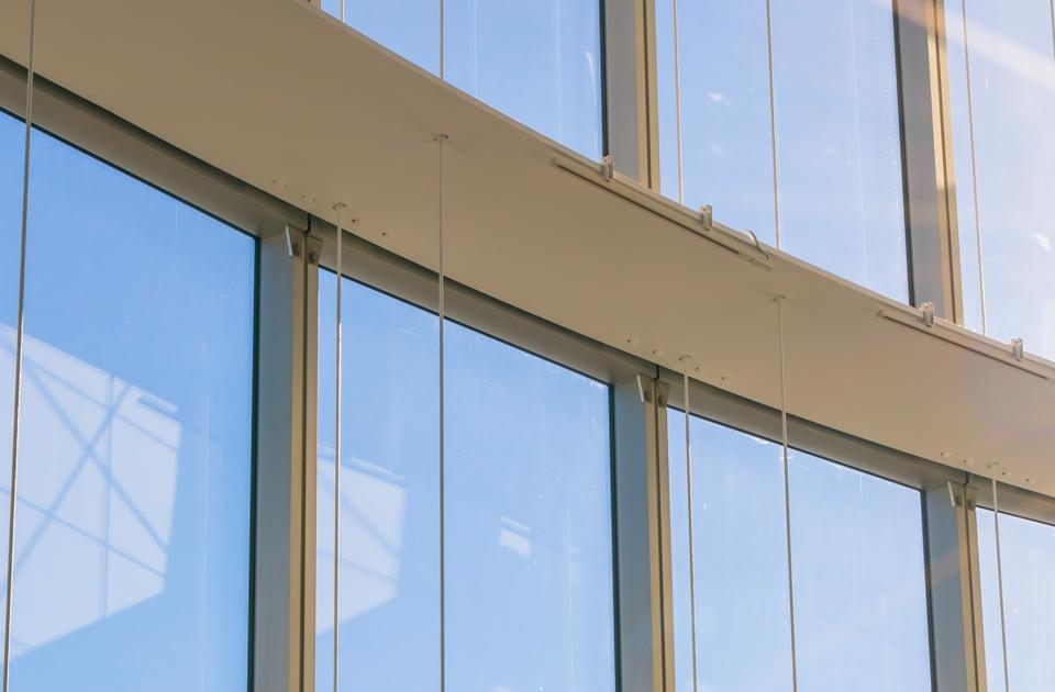 artículo con tips para aprender a limpiar ventanas en aluminio