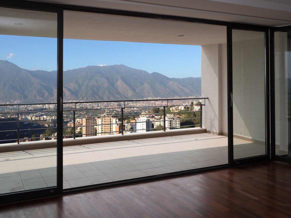 Artículo con tips para puertas y ventanas en el balcón